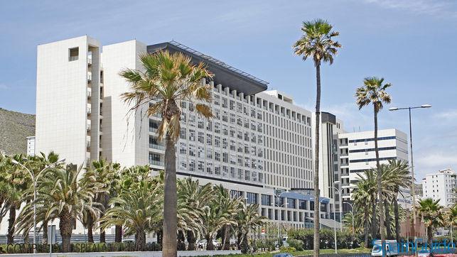 hospital-insular-palmas-gran-canaria_ediima20150511_0307_17
