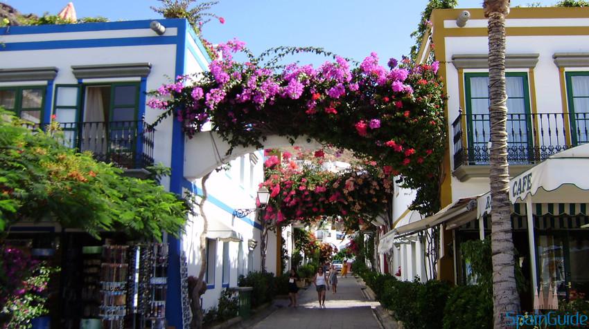 puerto-de-mogan-pueblo-costero-en-gran-canaria
