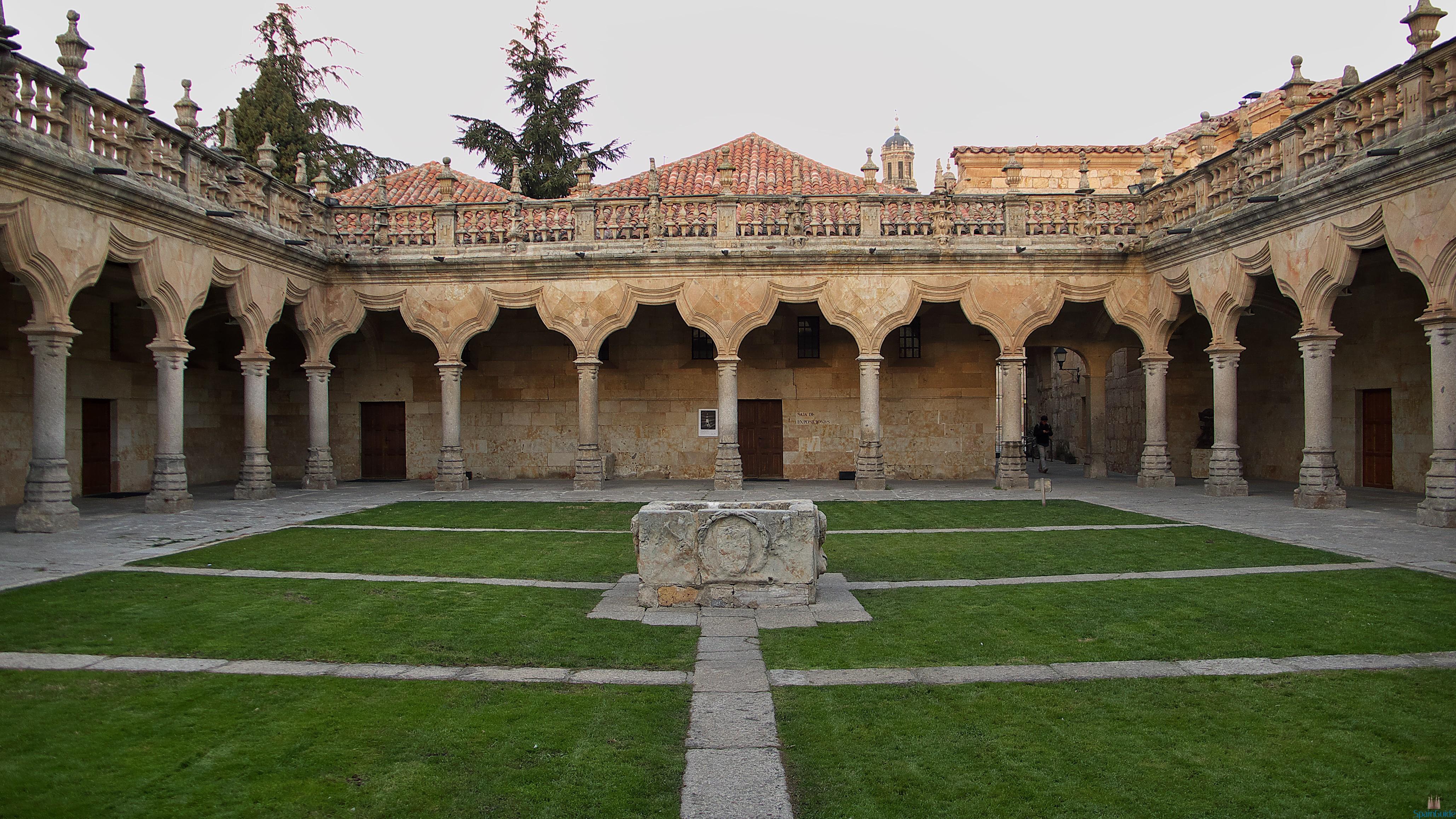 Patio_de_las_Escuelas_Menores_(Salamanca)