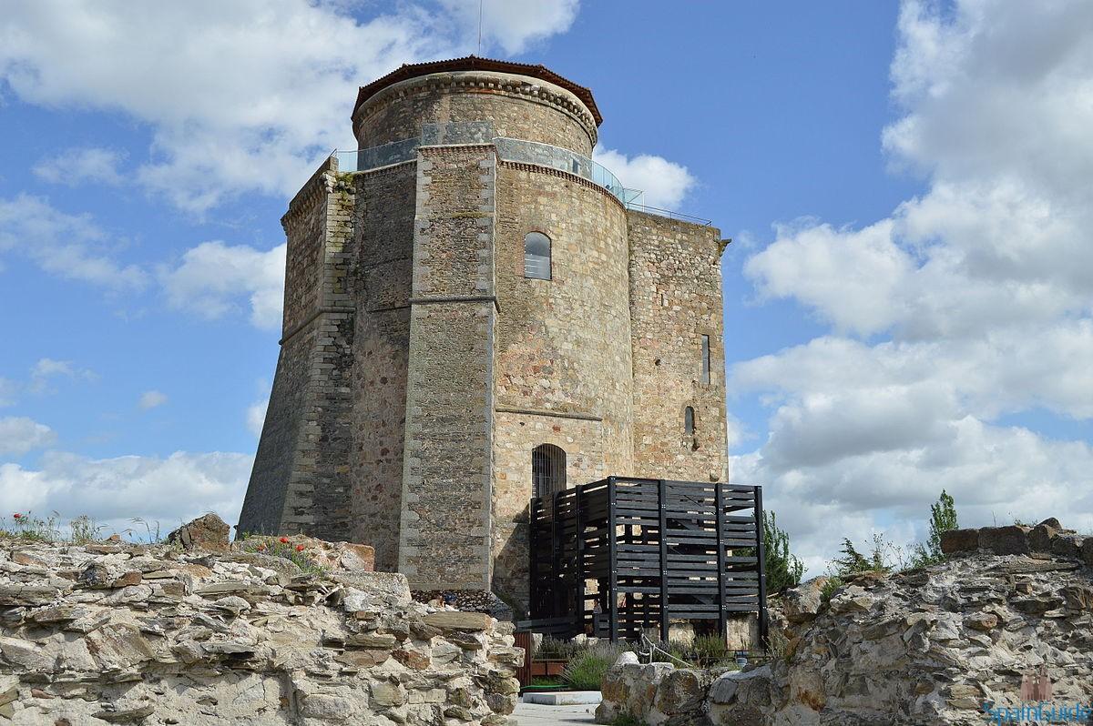 Torre_del_homenaje_Alba_de_Tormes